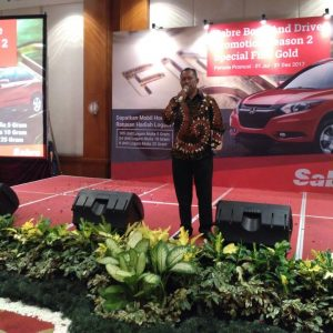 Deny Fajar Saat Launching Sabre Book And Drive